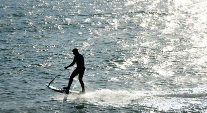 Initiation au surf électrique (eFoil) à la Rochelle