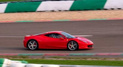 Pilotage d'une Ferrari 458 Italia - Circuit de Magny-Cours
