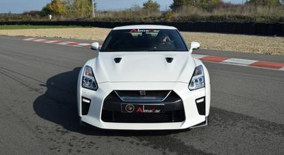 Stage de pilotage en Nissan GTR - Circuit de Magny-Cours
