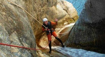 Descente du Canyon des Anelles près des Pyrénées