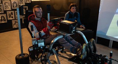 Coaching de pilotage de voiture de course sur simulateur à Bordeaux
