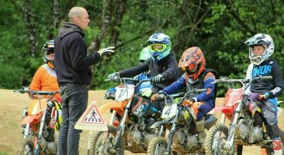 Initiation à la moto pour enfants près de Dole