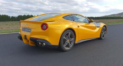 Stage de Pilotage en Ferrari F12 - Circuit d'Issoire