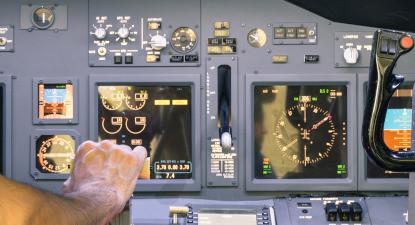 Cours de pilotage sur simulateur d'avion à Lognes