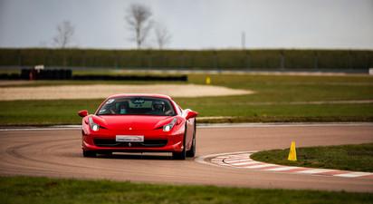 Stage de Pilotage en Ferrari F458 Italia - Circuit de la Ferté- Gaucher