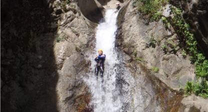 Descente du Canyon le Llech près de Perpignan dans les Pyrénées