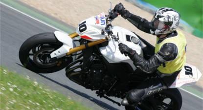 Stage de Pilotage en Yamaha FZ8 Roadster - Pôle Mécanique d'Alès