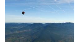 Vol en Montgolfière - tour au dessus de Vézelay