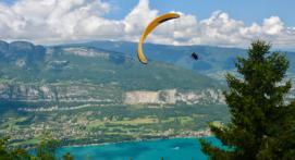 Vol acrobatique en parapente - Lac d'Annecy