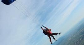 Saut en Parachute Tandem près de Mâcon