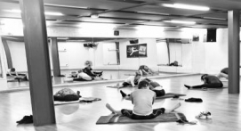 Cours collectifs de Fit Yoga en club de sport à Lille