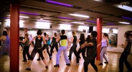 Cours collectifs de Zumba en club de sport à Lille