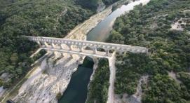 Baptême en hélicoptère privatif Pont du Gard et Châteaux