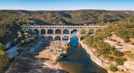 Vol en hélicoptère à découvertes des Alpilles ou du pont du Gard