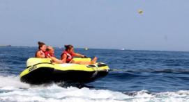 Bouée tractée et Flyfish depuis le port des Issambre près de Sainte-Maxime