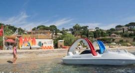 Pédalo à la plage de la Nartelle à Sainte Maxime