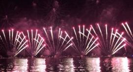 Balade nocturne en bateau pour voir le feu d'artifice depuis la baie de Cannes