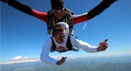 Saut en Parachute Tandem à Tallard près de Gap dans les Alpes