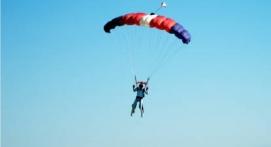 Saut en Parachute à Ouverture Automatique à Peronne