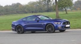 Pilotage d'une Ford Mustang - Circuit de Fay en Bretagne