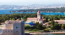 Vol en Hélicoptère au dessus de la baie de Golfe-Juan à Cannes