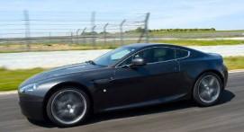 Pilotage en Aston Martin V8 - Circuit de Chambley