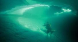 Plongée sous glace à la station Les Angles dans les Pyrénées-Orientales