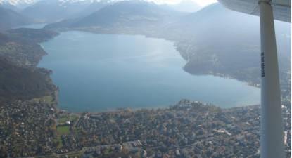 Vol découverte en ULM au dessus du Lac d'Annecy