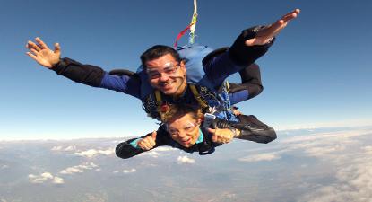 Saut en Parachute Tandem près de Nice