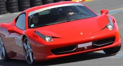 Pilotage d'une Ferrari 458 Italia - Circuit de Fay de Bretagne
