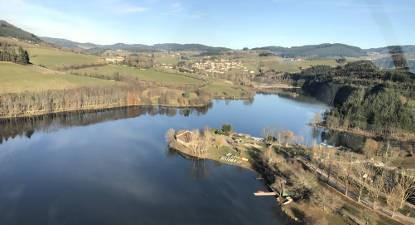 Survol du Lac des Sapins en Hélicoptère près de Lyon