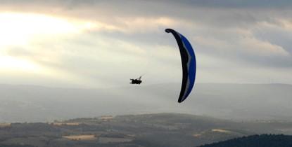 Vol Acrobatique en Parapente à Millau